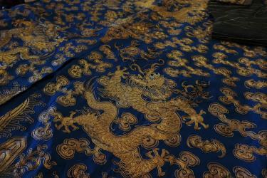 Blog Modemuze Sjoukje Telleman restauratie Chinese kimono met gouddraden
