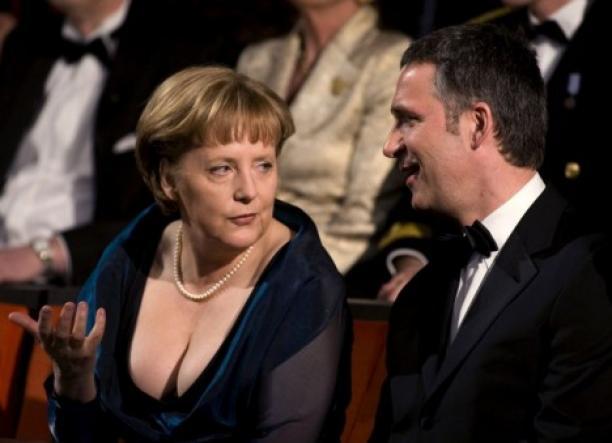 Bondskanselier van Duitsland Angela Merkel (links) met voormalig premier van Noorwegen Jens Stoltenberg, 12 april 2008. Foto: Bjorn Sigurdson.