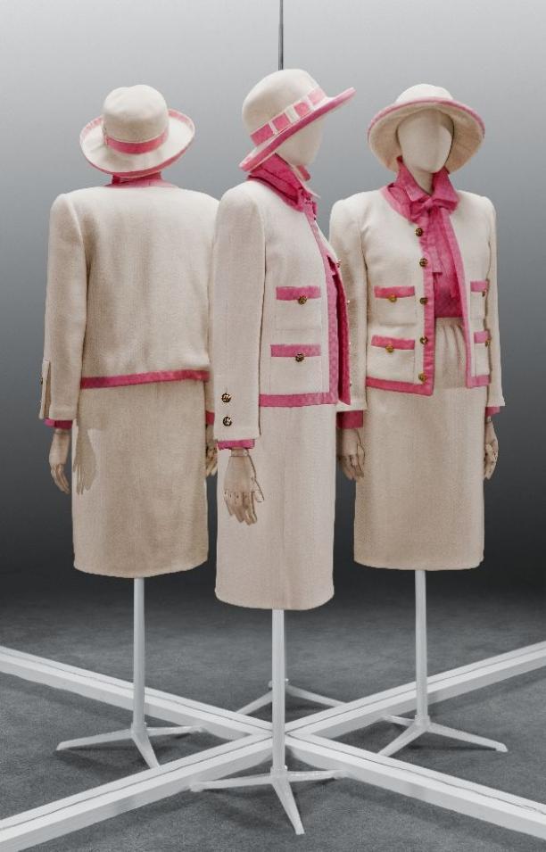 """Een """"vernederlandst"""" Chanel pakje van Max Heymans uit 1986, collectie Gemeentemuseum Den Haag"""