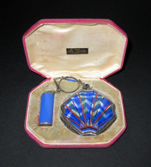 Poederdoos, zilver met emaille, Frankrijk, 1900-1925, Tassenmuseum.