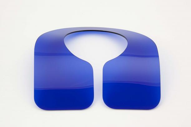 Blauwe kraag, Ruudt Peters, perspex, 1972 (Collectie Museum Arnhem).
