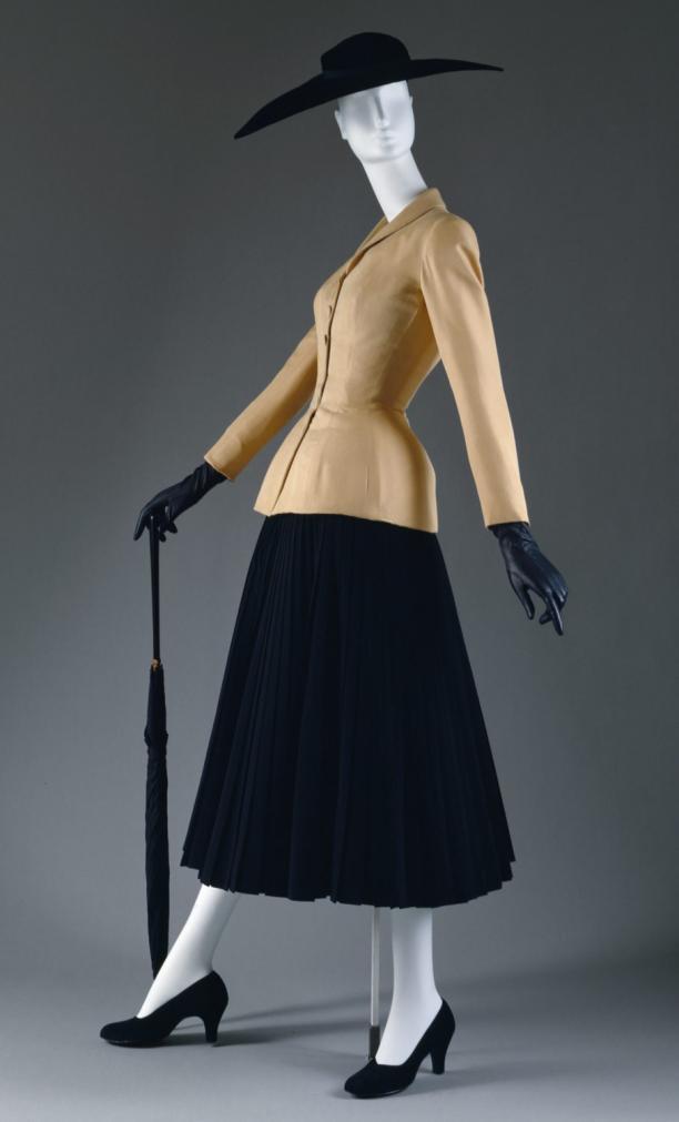 Christian Dior, Bar Suit, 1947, collectie The Metropolitan Museum of Art.