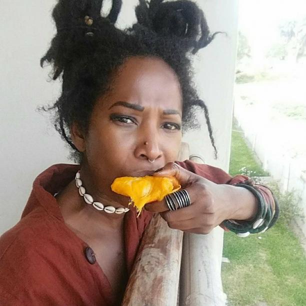 Poema Jones, kunstenaar/illustrator & founder the cool ruler- creative agency